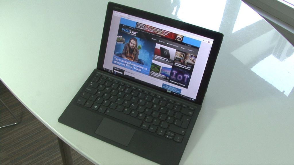 VIDEO: Test Lenovo Miix 520 2-u-1 laptopa